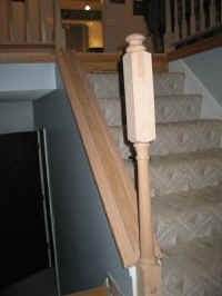 Bottom newel post
